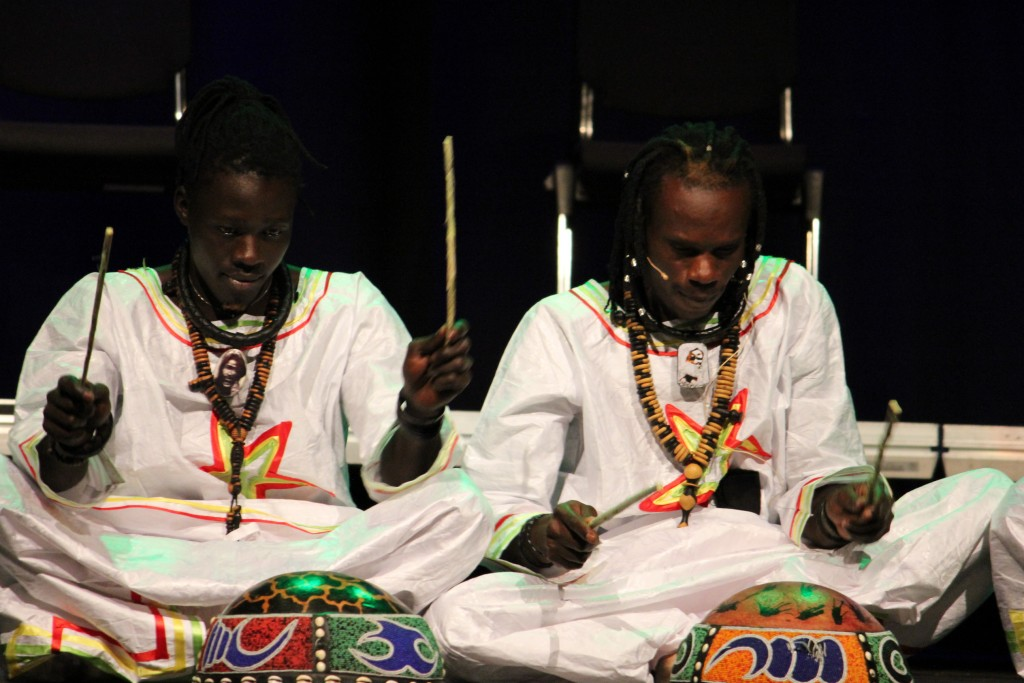 Griot drummers from Senegal and follower of the Brotherhood. They always wear the large beaded prayernecklace made out of beads of wood.
