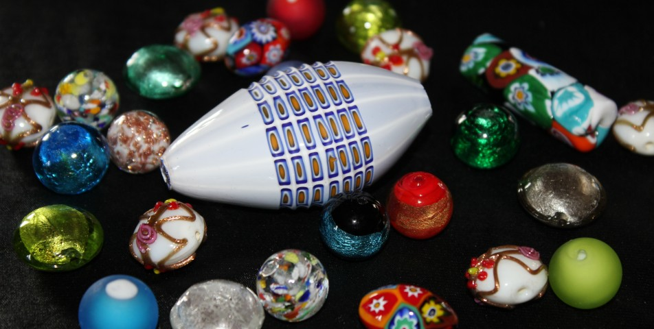 Murano glass beads of different size and technique